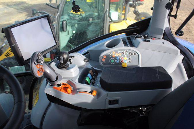 2019 NEW HOLLAND T7.270