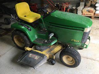 2000 JOHN DEERE GT235