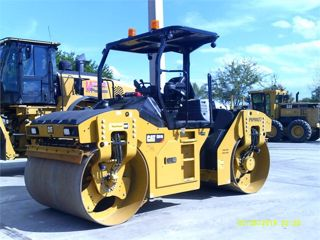 2017 CATERPILLAR CB10