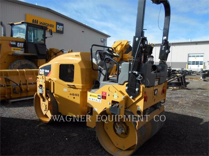 2015 CATERPILLAR CB34