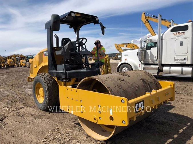 2019 CATERPILLAR CS44