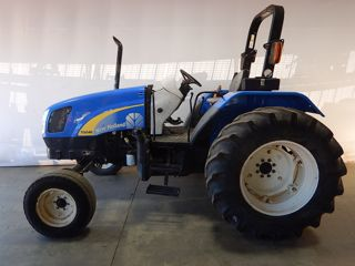 2011 NEW HOLLAND T5040