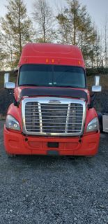 2011 Freightliner Cascadia 113