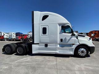 2018 Freightliner Cascadia 125SLP