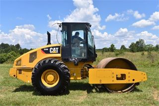 2012 CATERPILLAR CS56