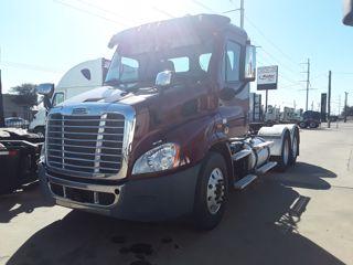 2015 Freightliner CASCADIA 113